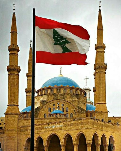 Our Lebanon, Our flag, Our lifestyle of living 🌲💒🕌❤ beirut ... (Beirut, Lebanon)